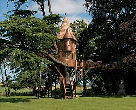 Freakin' awesome treehouse!